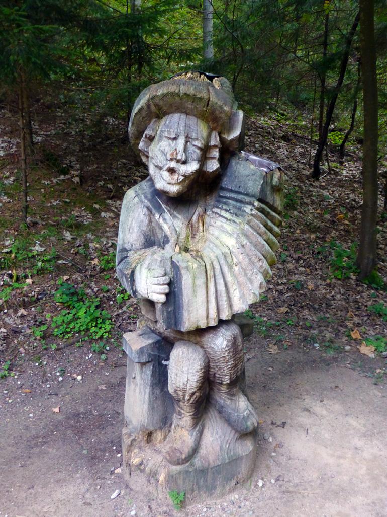 colina-de-las-brujas-crulandia-lituania-5