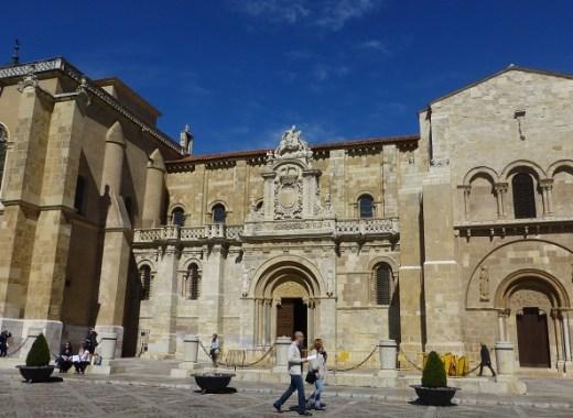 fachada de la basícilica de san isidoro de león