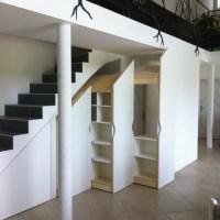 Placard sous escalier : je le fais construire sur mesure