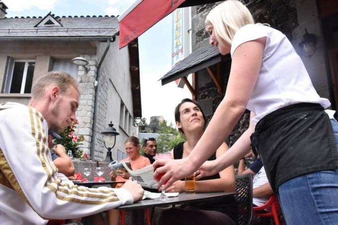 Il ferme ses deux restaurants faute de personnel