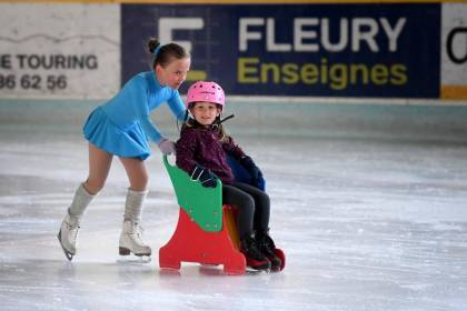 Following eleven months of closure, the Clermont-Ferrand ice rink finds its viewers