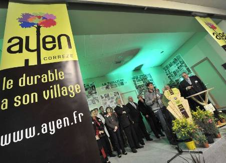 Ayen a dévoilé son nouveau logo et son nouveau slogan mardi dernier, lors d'une cérémonie ouverte à la population.? - Photo Frédéric lherpinière