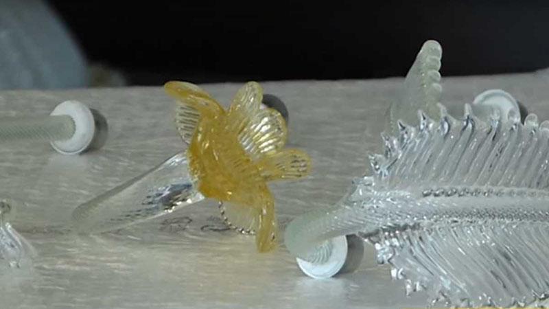 lampadari, plafoniere, applique in vetro di murano sogni di cristallo® realizzati a mano nelle fornaci veneziane in italia dagli esperti maestri vetrai. Come Smontare Un Lampadario Di Murano Per Una Corretta Manutenzione