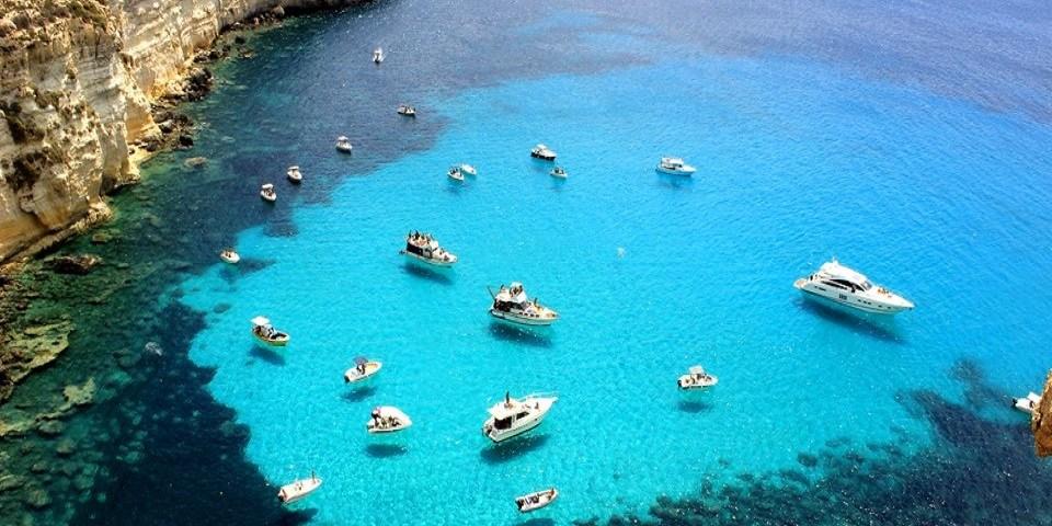 Giro dell'isola in barca