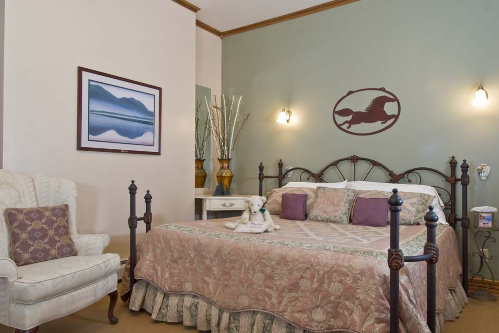 Guest Room decorated in Pastel Colors