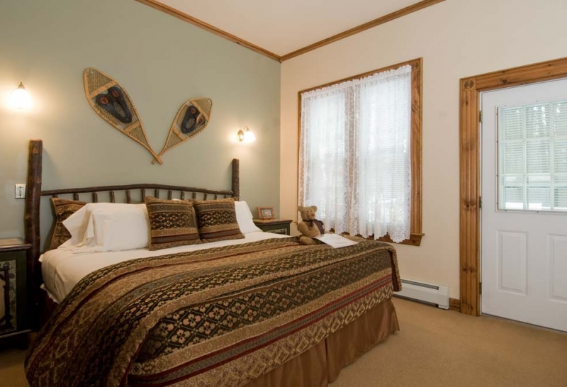 Adirondack Style Guest Room