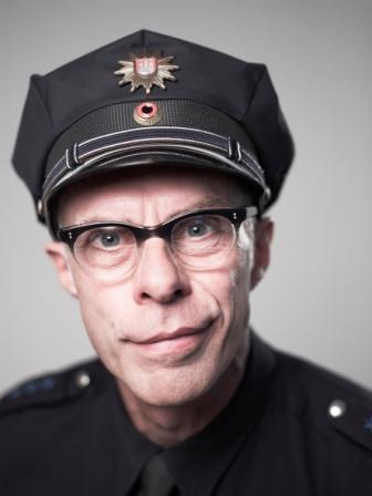 Herr Holm alias Dirk Bielefeld. Hamburg, den 9.10.2012