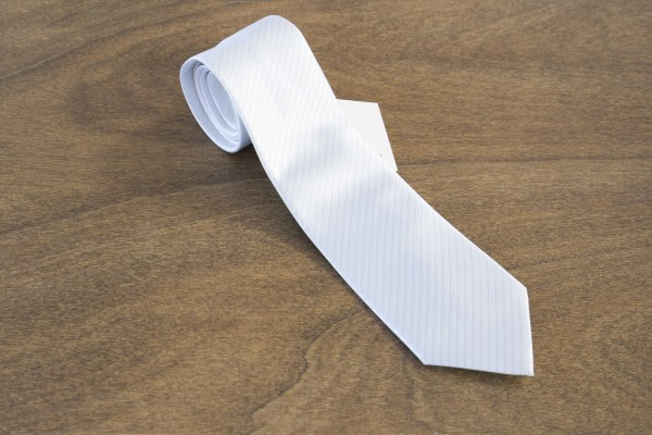 Cravatta a righe fondo bianco mod. 267