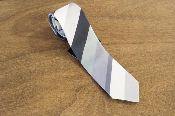 Cravatta a righe fondo nero mod. 288