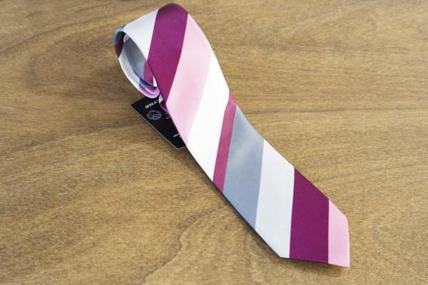 Cravatta a righe fondo rosa mod. 292
