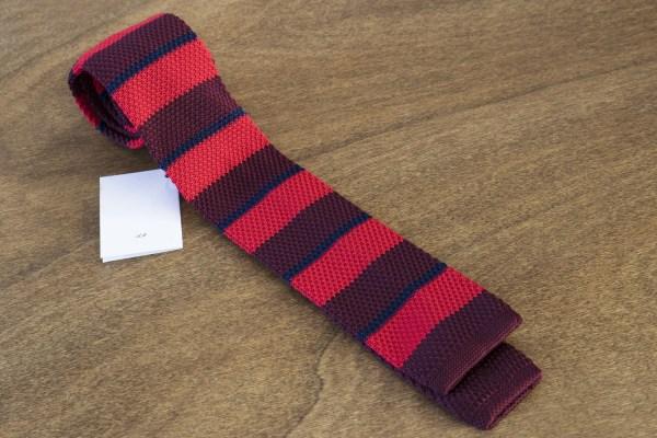 Cravatta in maglina a righe fondo rosso mod. 306