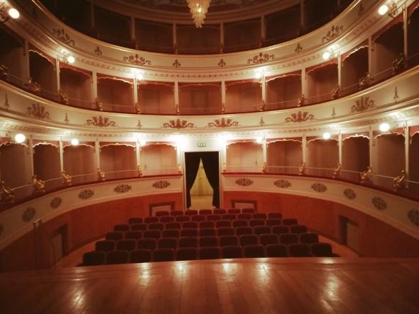 Il teatro di Montecarotto dove One Man's Madness è stato proiettato