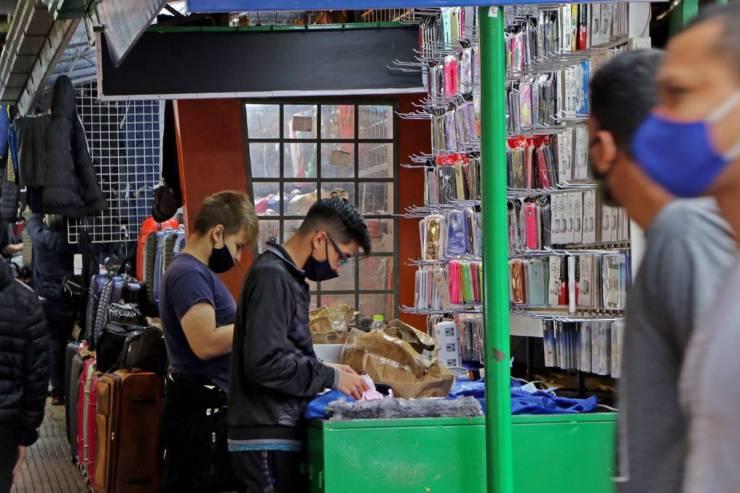 Los comerciantes de frontera podrán realizar entregas de sus productos si el Brasil lo aprueba. Foto: Gustavo Galeano.
