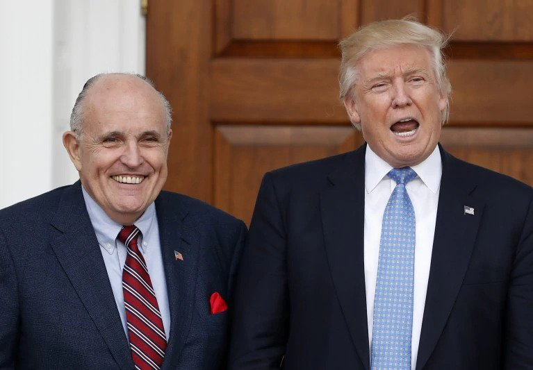Conservative attorney says Trump is finished if Giuliani testifies at Senate impeachment trial