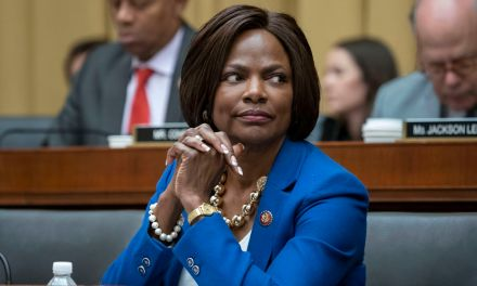 Rising Democratic star Val Demings may challenge DeSantis or Rubio in 2022: Report
