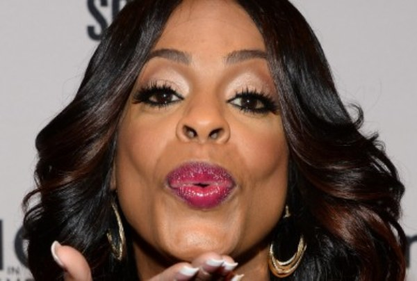 "Niecy Nash: ""Stomach Full, Penis Empty: A Woman's Guide To A Happy Marriage"" – The LanceScurv Show"