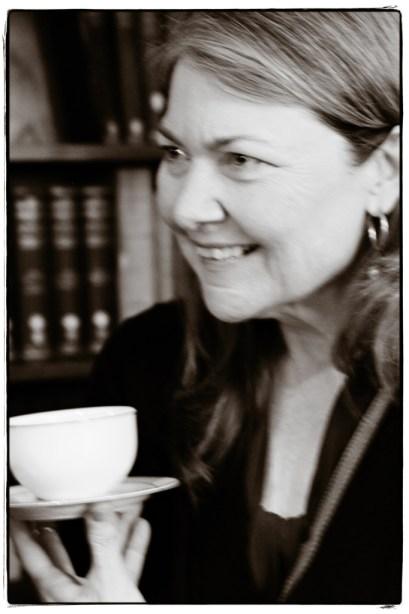 Diana in the Library - Tea - Image copyright Lancia E. Smith-  www.lanciaesmith.com