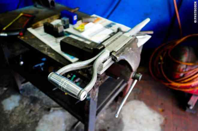 Aluminum Spade Made by Luis Platinado, Manaus (©photocoen)