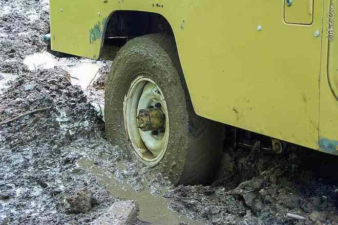 Our first time getting stuck in the mud still in the Netherlands [©photocoen]