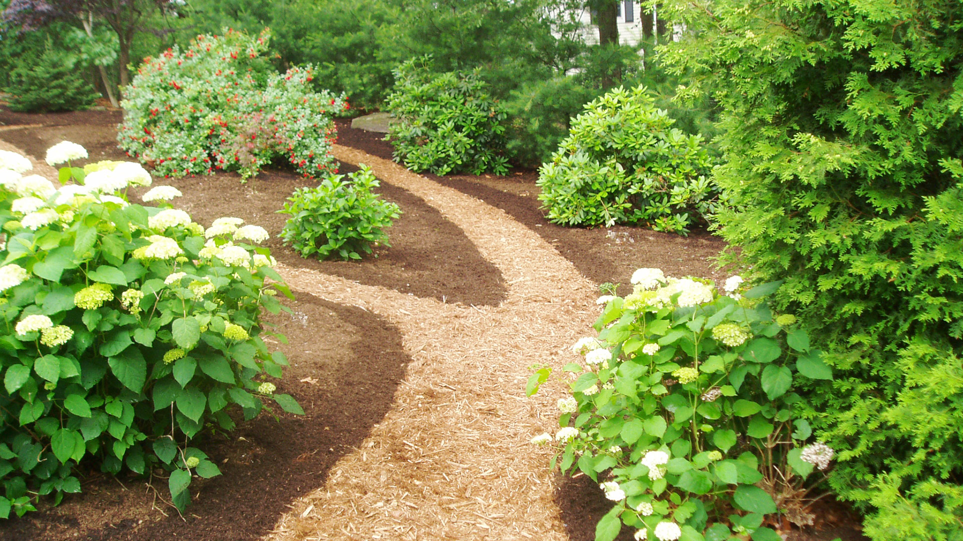Garden paths land designs unlimited llc for Land design landscaping