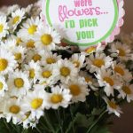 So easy and simple! Add this printable tag to a bouquet of flowers. Perfect Teacher Appreciation ideas