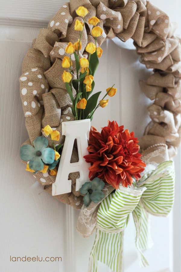 Easy Fall Burlap Wreath from Landeelu.com