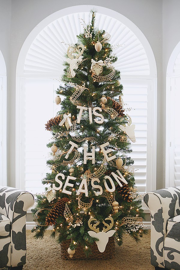 Inspiring Christmas Trees to spark your creativity!  | landeelu.com