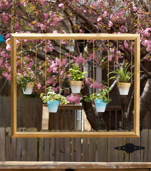 Glitter-and-Goat-Cheese-DIY-hanging-gold-frame-with-ombre-plant-pots