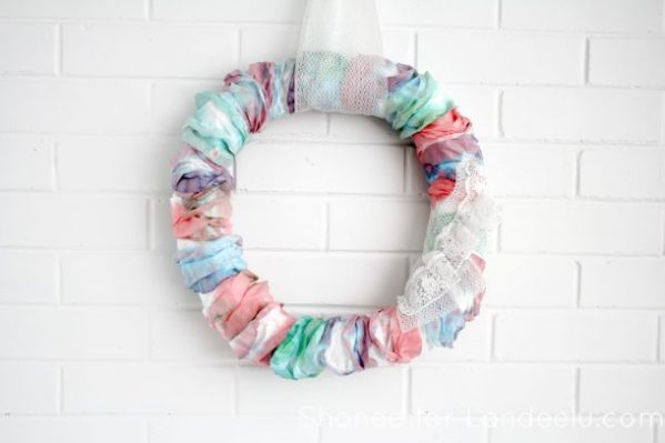 DIY Spring Watercolor Wreath - an easy diy