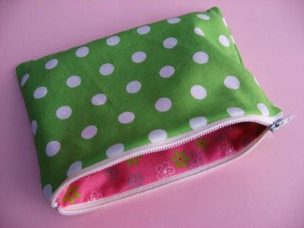zippered-pouch-via skip to my lou