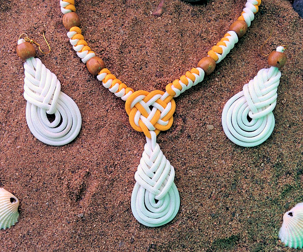 beachy necklace and earrings via instructables