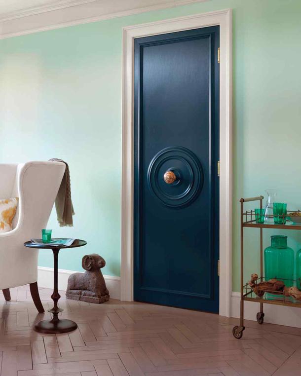 centered doorknob tutorial via martha stewart