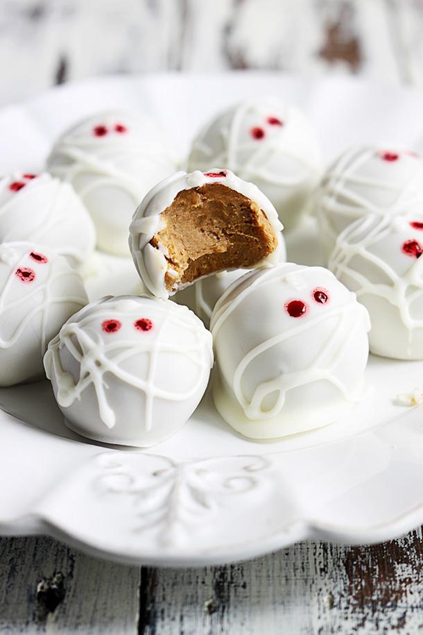 mummy-pumpkin-cheesecake-truffles-3