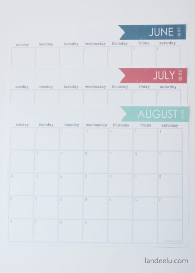 Free Printable Calendar 2016 | landeelu.com A simple, free printable calendar for 2016! Very ink friendly with lots of room to write!