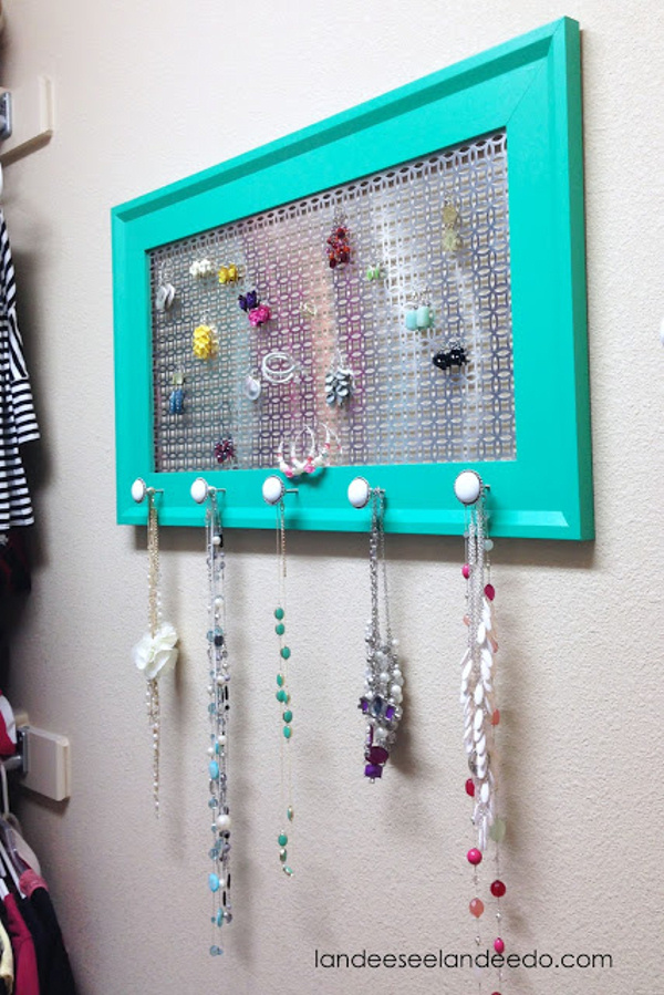 DIY+Jewelry+Organizer+10