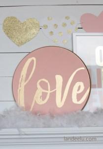 DIY Valentine's Day Signs | landeelu.com So many fun DIY signs to make for Valentine's Day! #valentinesday #diyvalentinedecorations