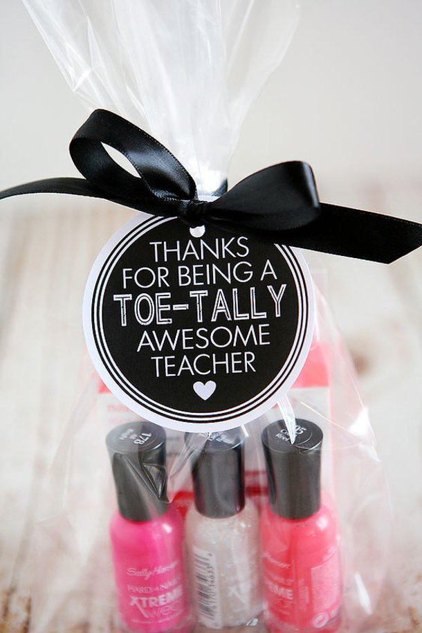 DIY Projects Ideas - Toe Tally Awesome Teacher Appreciation Gift with FREE PRINTABLES gift tags via eighteen25
