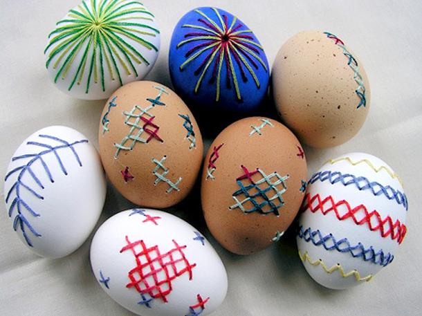 Ebroidered Easter Eggs via design sponge