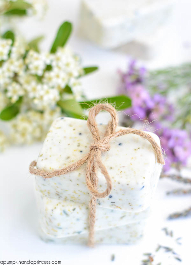 DIY gift ideas for Mothers Day - DIY Lavender Chamomille Tea Soap Tutorial
