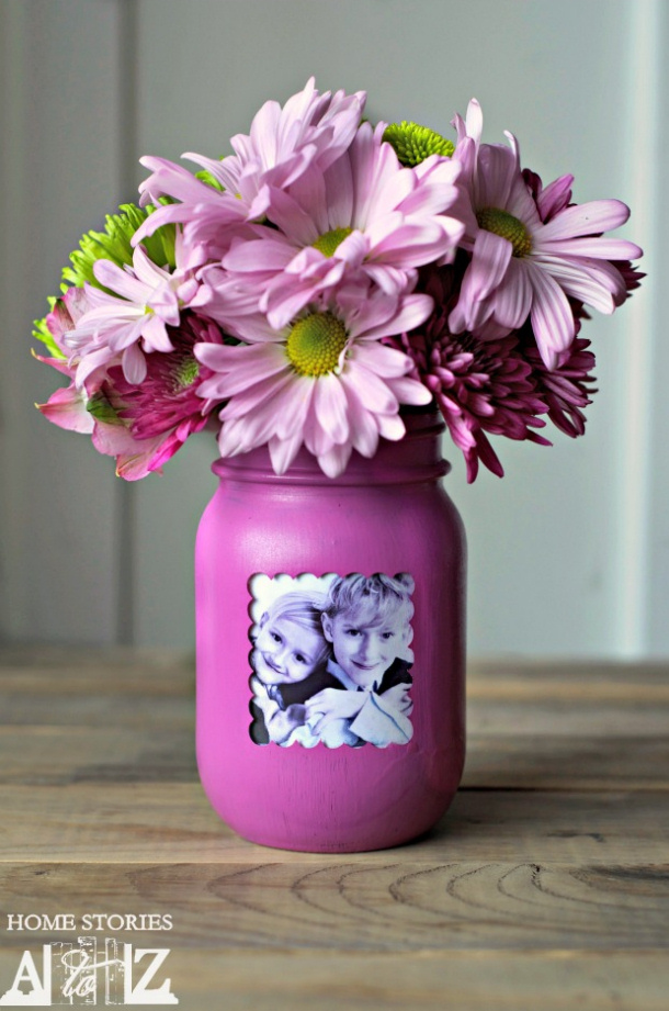 DIY gift ideas for Mothers Day - DIY Mason Jar Picture Frame Vase Tutorial via home stories A to Z