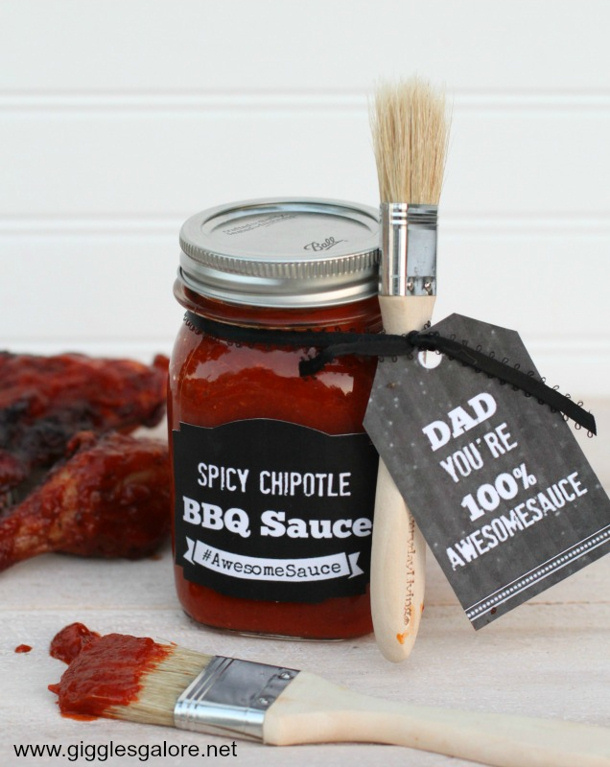 DIY Fathers Day Gift Ideas - Dad you are Awesomesauce BBQ Sauce gift idea and FREE printables via Giggles Galore