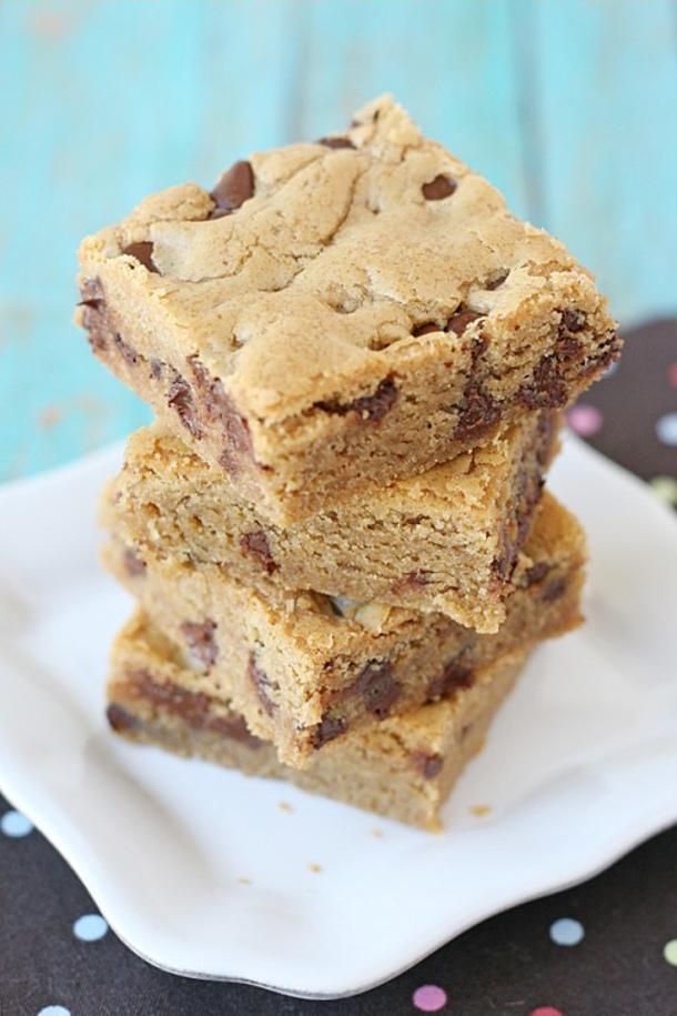 Peanut Butter Cookies Bars Recipe via Glorious Treats