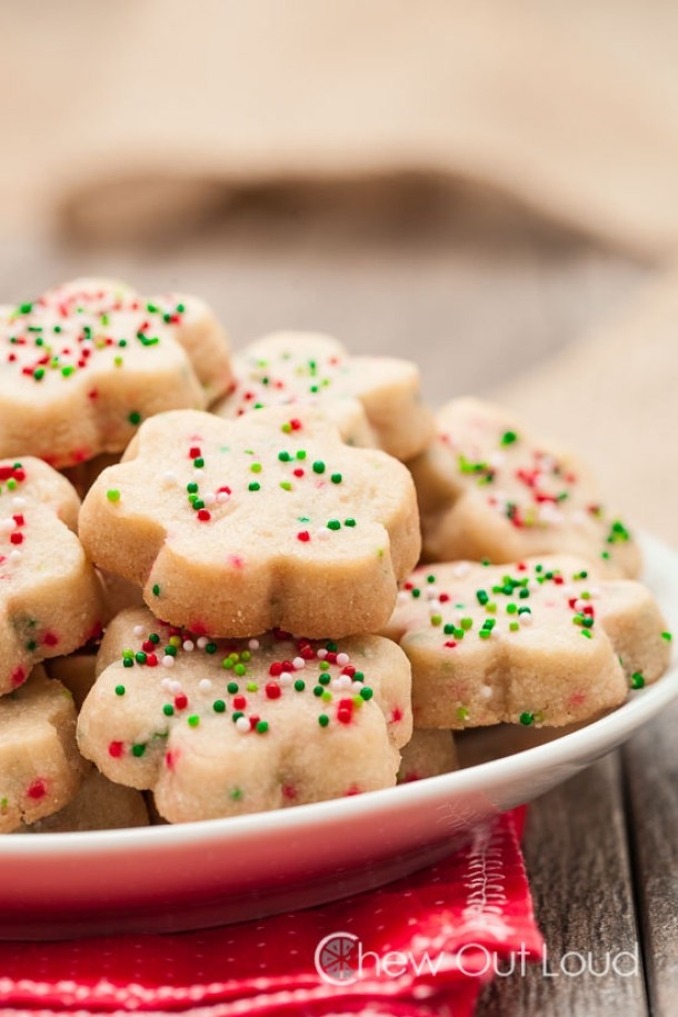 Shortbread Cookies - Easy and yummy with just 3 ingredients - Recipe via Chew Out Loud
