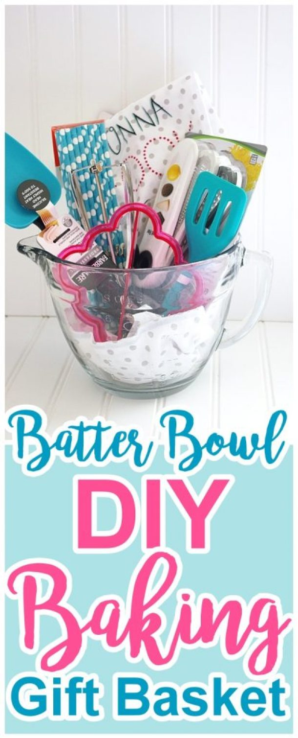 Do it yourself gift basket ideas for all occasions landeelu diy batter bowl baking gift basket via dreaming in diy do it yourself gift baskets solutioingenieria Image collections
