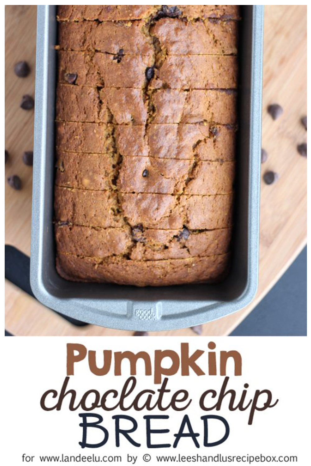 The perfect chocolate chip pumpkin bread for fall!  #pumpkinbread #pumpkinrecipe #fallrecipe #fallbaking