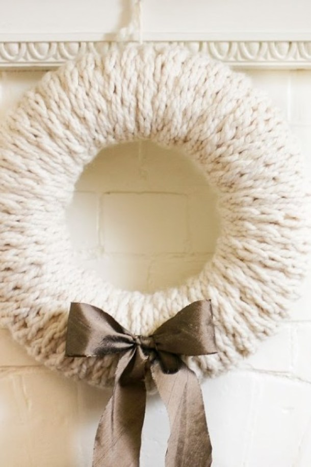 Cozy Finger-Knit Wreath Tutorial | Flax and Twine
