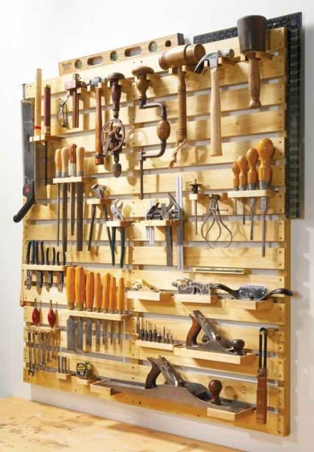 DIY Wooden Pallet Tool Rack Organizer   Popular Woodworking