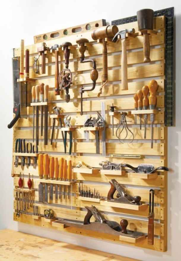 DIY Wooden Pallet Tool Rack Organizer | Popular Woodworking