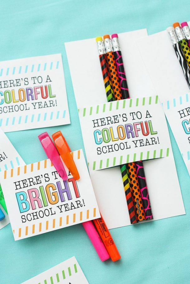 Back to School Pencils and Pens Gift Tags Printables | eighteen25