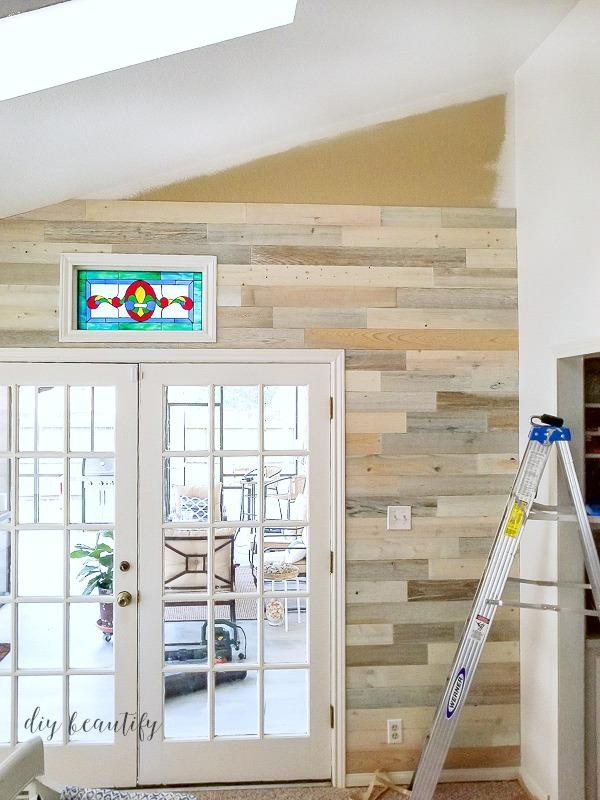 Reclaimed Wood Wall | DIY Beautify